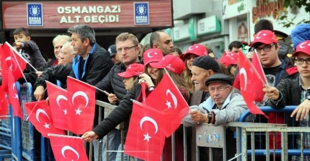 Bursa'da Cumhuriyet'in 93. yıldönümü törenlerle kutlandı.