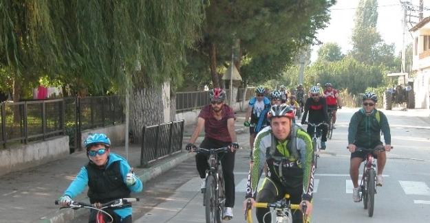 Bursalılar artrit hastalığı için pedal çevirdi