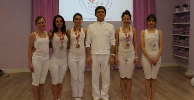 1. Uluslararası YOGA Kareografi Turnuvası İstanbul'da yapıldı.