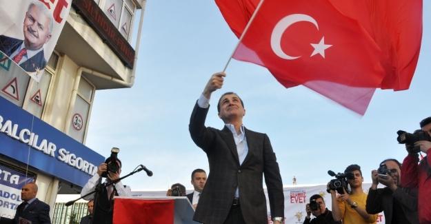 """AB Bakanı Çelik: """"Bu şer şebekelerine karşı, bu terör odaklarına karşı eğilmek yok"""""""
