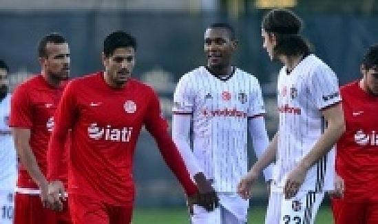 Antalyaspor, Spor Toto Süper Lig'in 25. haftasında Beşiktaş ile 0-0 berabere kaldı.