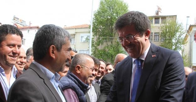 """Bakan Zeybekci: """"16 Nisan CHP'ye iktidar yolunu açıyor"""""""