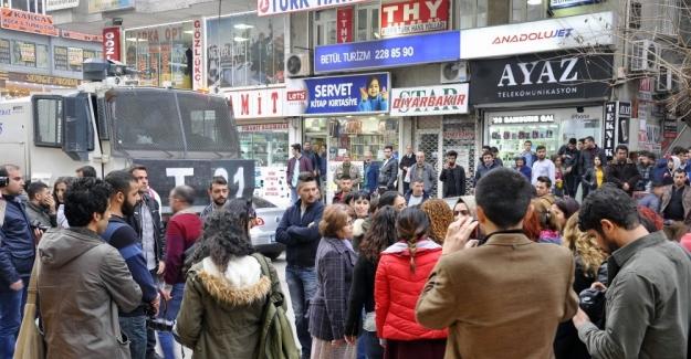 Basın açıklamasına 'pankart' müdahalesi: 4 gözaltı