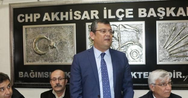 CHP'li Özgür Özel ve Selin Sayek Böke Akhisar'da konuştu