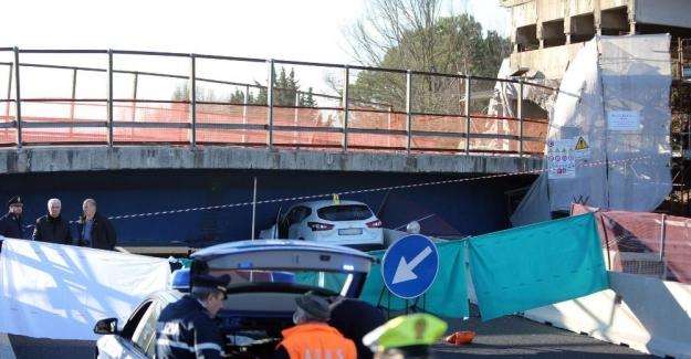 İtalya'da otoban köprü çöktü: 2 ölü