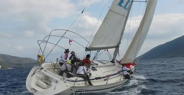 Kadın yelken takımı, başarılarını sürdürüyor