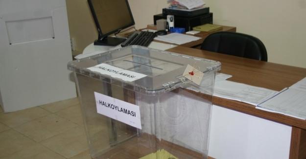 Marmaris'te Gümrük Kapısı'nda oy verme işlemi başladı
