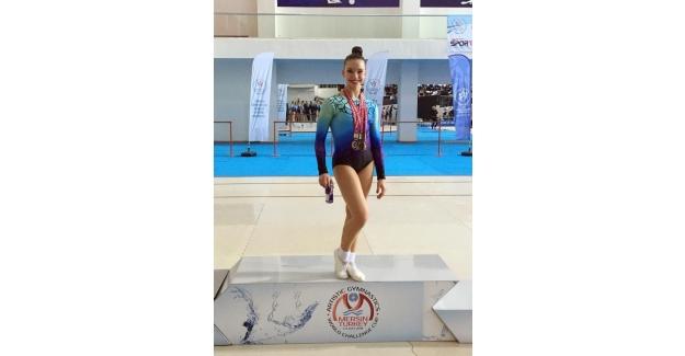 Türkiye Jimnastik Şampiyonası'na Ayşe Begüm Onbaşı damgası