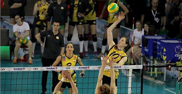 Vakıfbank Kadın Voleybol takımı Beşiktaş ile ilk maçını 3 - 2 kazandı..