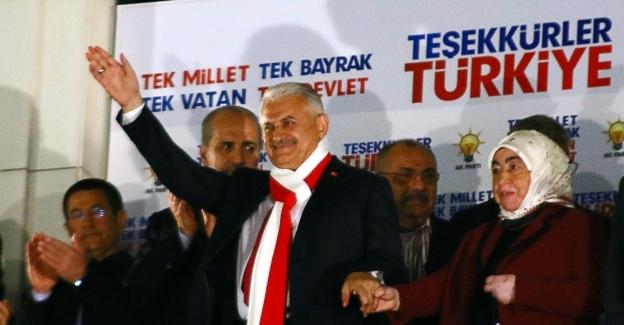 """Başbakan Yıldırım: """"Bu halk oylamasının kaybedeni yoktur"""""""