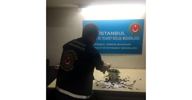 Atatürk Havalimanında tül çorap içerisinde 83 kilogram sülük yakalandı