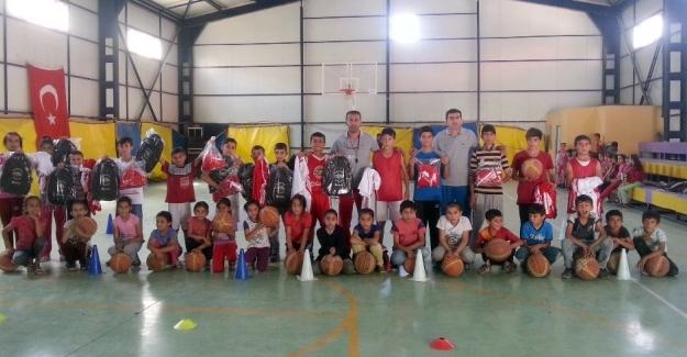 DABO, Çukurca'da 185 çocuğu basketbol ile tanıştırdı