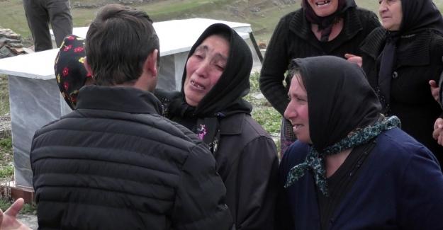 İstanbul'da öldürülen DHKP-C'li terörist Ardahan'da toprağa verildi