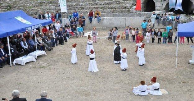 Müzeler Haftası İznik Antik Roma Tiyatrosunda kutlandı