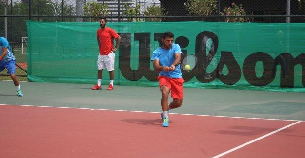 Tenisçilerimiz devleri geride bıraktı !