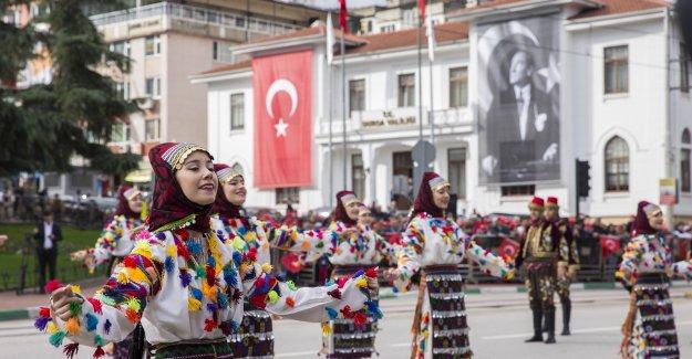 '29 Ekim Cumhuriyet Bayramı'  Bursa'da gururla ve coşkuyla kutlandı.