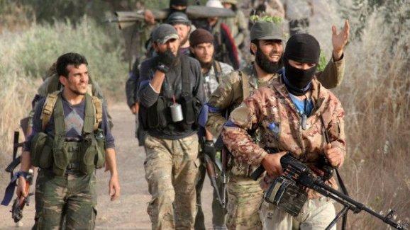 """Reuters: Türkiye destekli """"Ahraruş Şam"""" örgütü Suriye'de güçleniyor"""