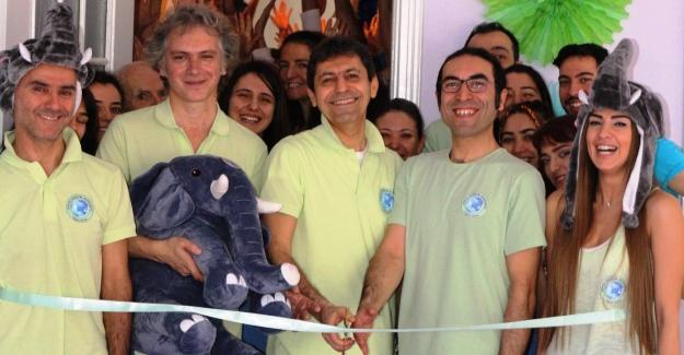 Dünya Değişim Akademisi'nin 14. Merkezi İstanbul / Moda'da açıldı !..