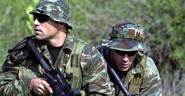 İki Yunan askeri için tutuklama kararı Atina'da şok etkisi yarattı