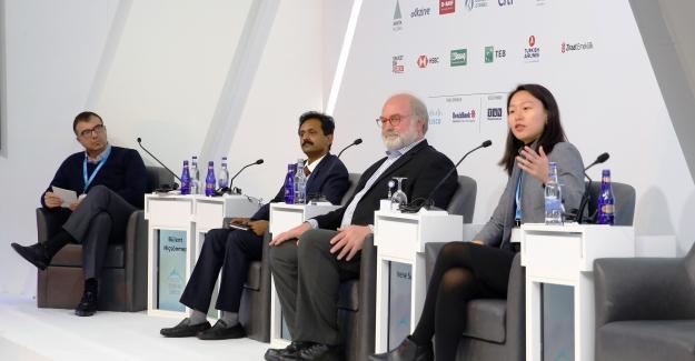 Uludağ Ekonomi Zirvesi'nde Çinli Girişimciler