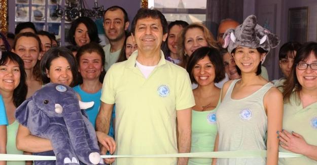 Dünya Değişim Akademisi'nin 30. Merkezi Çekmeköy'de Açıldı !..