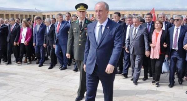 CHP Cumhurbaşkanı Adayı Muharrem İnce Anıtkabir'i ziyaret etti