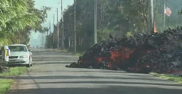 Hawaii'de lavlar arabayı böyle yuttu