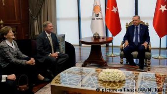 """ABD'li senatörden Suriye uyarısı: """"Türkiye kendini bataklıkta bulur"""""""