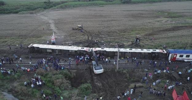 Çorlu'da tren kazası onlarca ölü var!