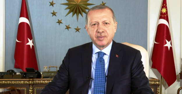 """Cumhurbaşkanı Erdoğan: """"Roş Aşana münasebetiyle başta vatandaşlarımız olmak üzere tüm Musevilere tebriklerimi iletiyor, kendilerine esenlikler diliyorum"""""""