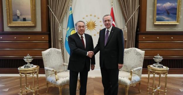 Kazakistan Cumhurbaşkanı Nazarbayev Cumhurbaşkanlığı Külliyesinde