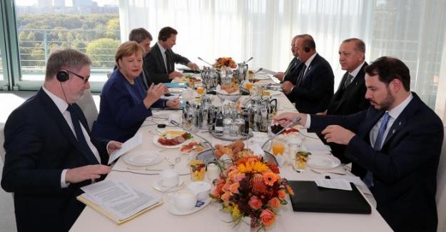 """Cumhurbaşkanı Erdoğan: """"Almanya ile sancılı dönem geride kalıyor"""""""