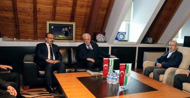Bursa Valisi Yakup Canbolat Bursaspor Kulübünü ziyaret etti