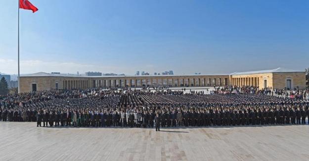 Emniyet Genel Müdürü Celal Uzunkaya Anıtkabir ziyaretinde