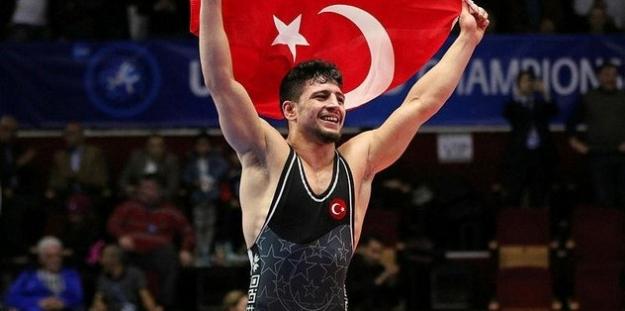 """Milli Güreşçimiz Cengiz Aslan """"Dünya Şampiyonu"""""""