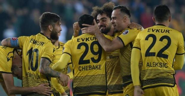 Trabzonspor, Malatya'da ağır yaralı döndü; 5-0