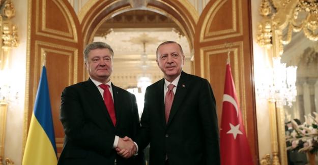 """Ukrayna Devlet Başkanı Petro Poroşenko Ankara'da; """"Türkiye uluslararası sahada Ukrayna'nın kilit ortaklarından biridir"""""""