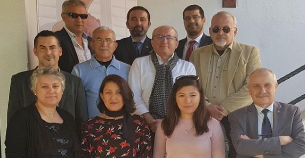 """Akdeniz Kültürlerarası Uyum Derneği """"AKUD""""ta yeni yönetim seçildi"""