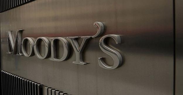 """Uluslararası kredi derecelendirme şirketi Moody's; """"ABD'nin mali gücü çökmek üzere"""""""