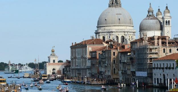 """Venedik'e giriş artık """"ücretli"""""""