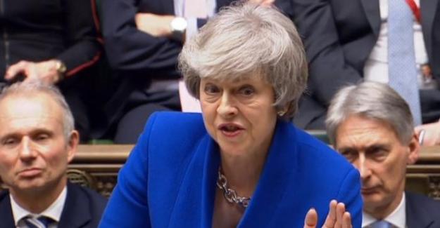 Brexit krizinde May'e parlamentodan güvenoyu çıktı