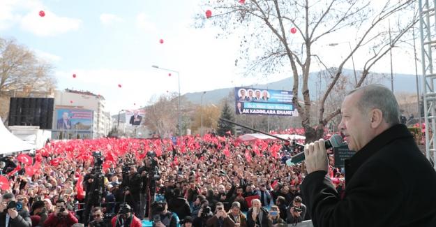 """Erdoğan:  """"Afyonkarahisar'ı yüksek hızlı trenle Ankara, İstanbul ve İzmir'e bağlıyoruz"""""""