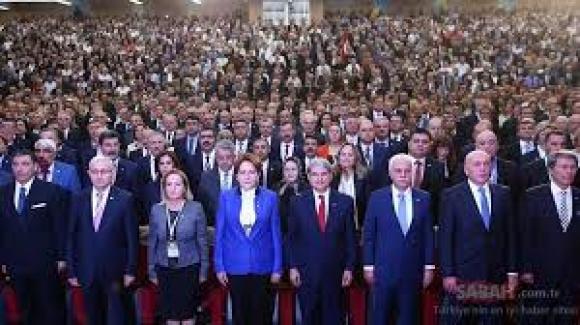 """İYİ Parti Genel Merkezi'nden sıradışı açıklama: """"Mersin'de Burhanettin Kocamaz'a yapılan İYİ Parti'ye yönelik 'dahili' bir operasyondur"""""""