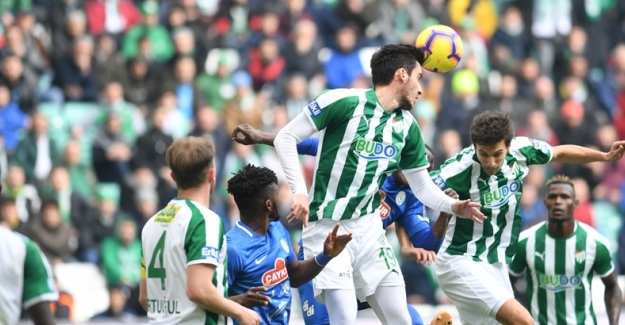 Spor Toto Süper Lig'in 22.hafta karşılaşmasında; Bursaspor 0-2 Rizespor