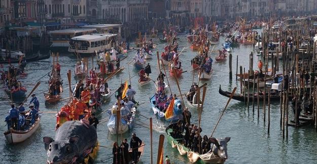 XV. yüzyıl havasında festival: Venedik'te karnaval başlıyor