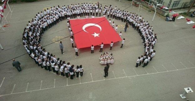 İstiklal Marşımız 98 Yaşında..