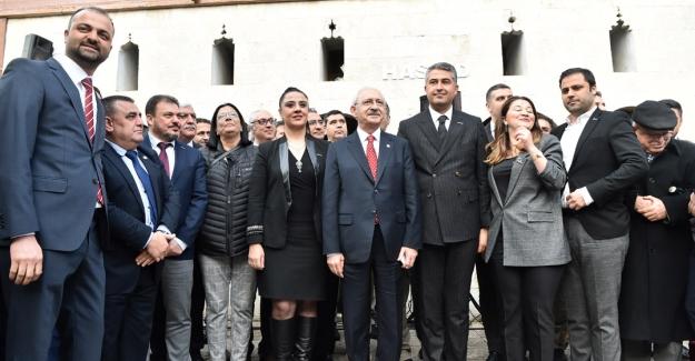 """Kılıçdaroğlu: """"Suriyelilere harcandı denilen 35 milyar dolar kimlere harcandı?.."""""""