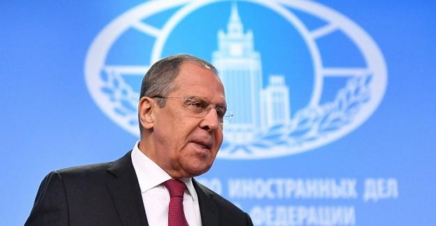 """Lavrov'dan uyarı: """"Nükleer savaş tehdidi gerçeğe dönüşebilir"""""""