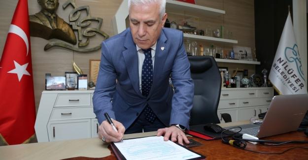 Mustafa Bozbey Yerel Yönetim Şeffaflık Taahhütnamesi'ni imzaladı