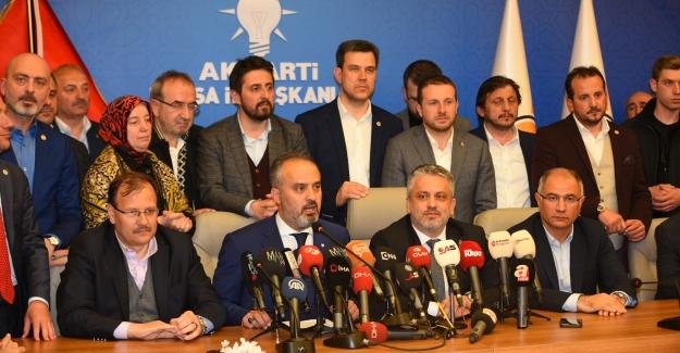 "Bursa, Alinur Aktaş ile ""yola devam"" dedi"